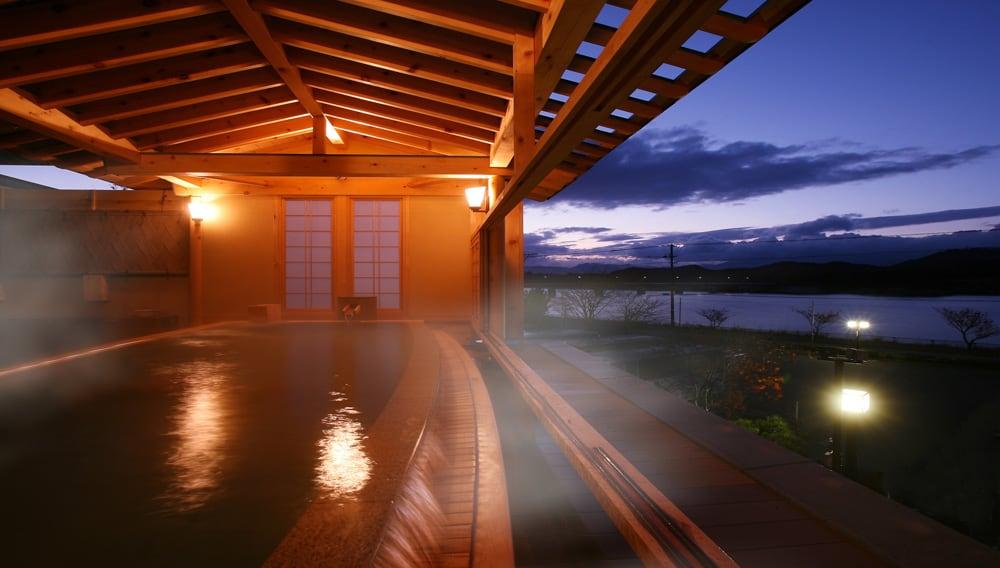 大浴場ひとりじめの湯「檜の湯露天」
